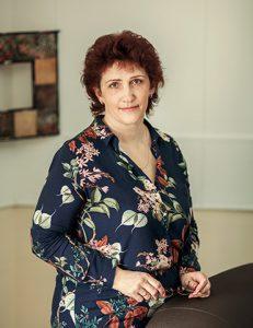 Солонина Светлана психолог, клинический медицинский психолог, кризисный психолог, психотерапевт, арт-терапевт, специалист по методу символдрамы, sandplay ориентированный психолог, консультант по работе с созависимыми, семейный консультант.